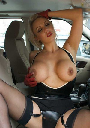 Huge Natural Tits Pictures and Big Boobs Latex Porn