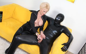 Huge Natural Tits Pictures and Big Boobs Femdom Porn
