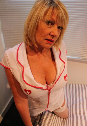 Huge Natural Tits Pictures and Big Boobs Nurse Porn