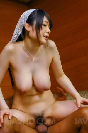 Huge Natural Tits Pictures and Big Boobs Japanese Porn