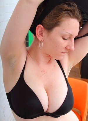Huge Natural Tits Pictures and Big Boobs Redhead Porn