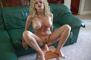 Huge Natural Tits Pictures and Big Boobs Sybian Porn