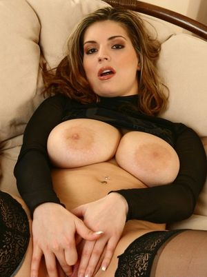 Huge Natural Tits Pictures and Big Boobs Stockings Porn