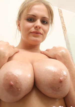 Huge Natural Tits Pictures and Big Boobs Oiled Porn
