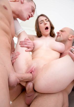 Huge Natural Tits Pictures and Big Boobs Double Penetration Porn