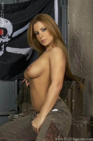 Huge Natural Tits Pictures and Big Boobs Military Porn