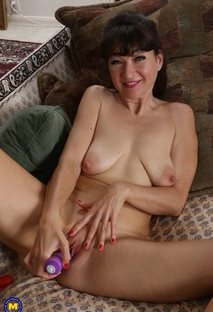 Huge Natural Tits Pictures and Big Boobs Tiny Tits Porn