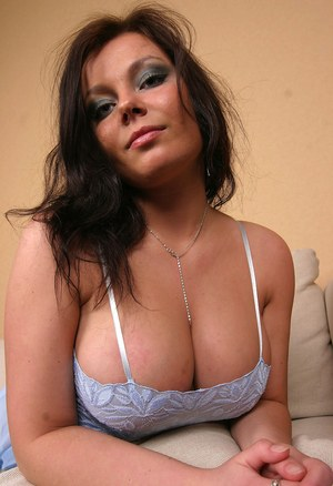 Huge Natural Tits Pictures and Big Boobs Non Nude Porn