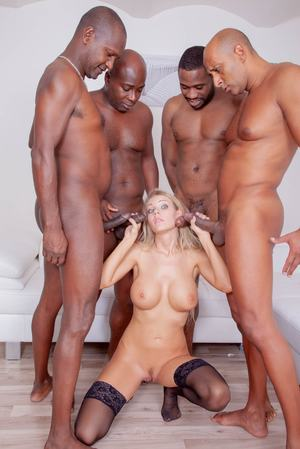 Huge Natural Tits Pictures and Big Boobs Gangbang Porn