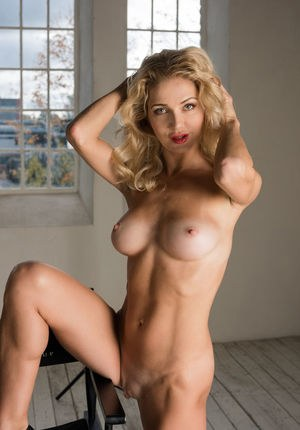 Huge Natural Tits Pictures and Big Boobs Hairy Porn