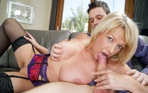 Huge Natural Tits Pictures and Big Boobs Blowjob Porn